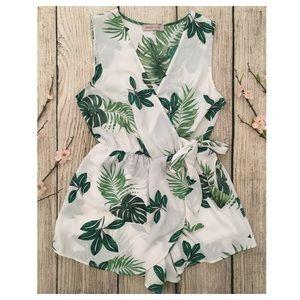 DREAM OF ME white green leaf print romper SMALL